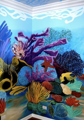 Underwater full room mural floor to ceiling