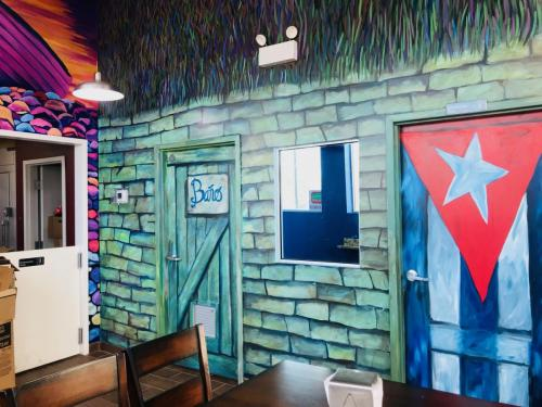 Cuban Cafe Bia' office hut wall mural in Chicago
