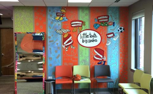 Little Teeth, big smiles waiting area office wall mural.